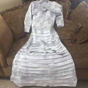 Dresses & Skirts - Silver elegant dress with beading